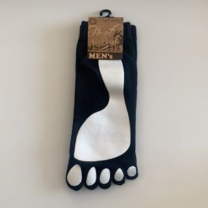NWT Heart Beat Mens Leg Wear Foot Print Socks